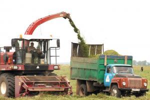 В хозяйствах района продолжается заготовка кормов